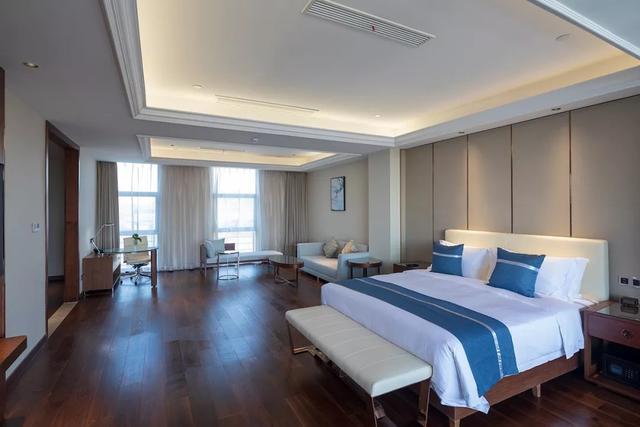 这家高性价比的商务型酒店,除了我住的花园大床房,还有多种房型可图片