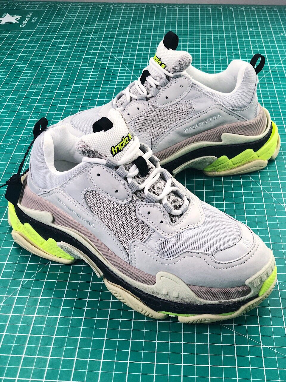Unboxing Review Balenciaga triple S silver Repyes YouTube