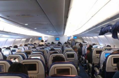 你知道乘坐飞机有4个隐形福利吗?看了后觉得以前坐飞机好亏