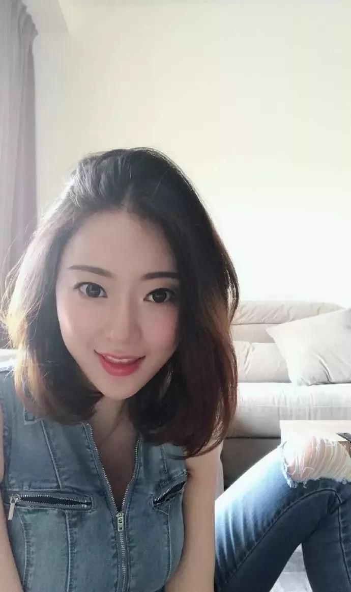 中国 重庆市 职 业: 时尚博主 兴 趣: 瑜伽,美食 自贴标签:人体艺术