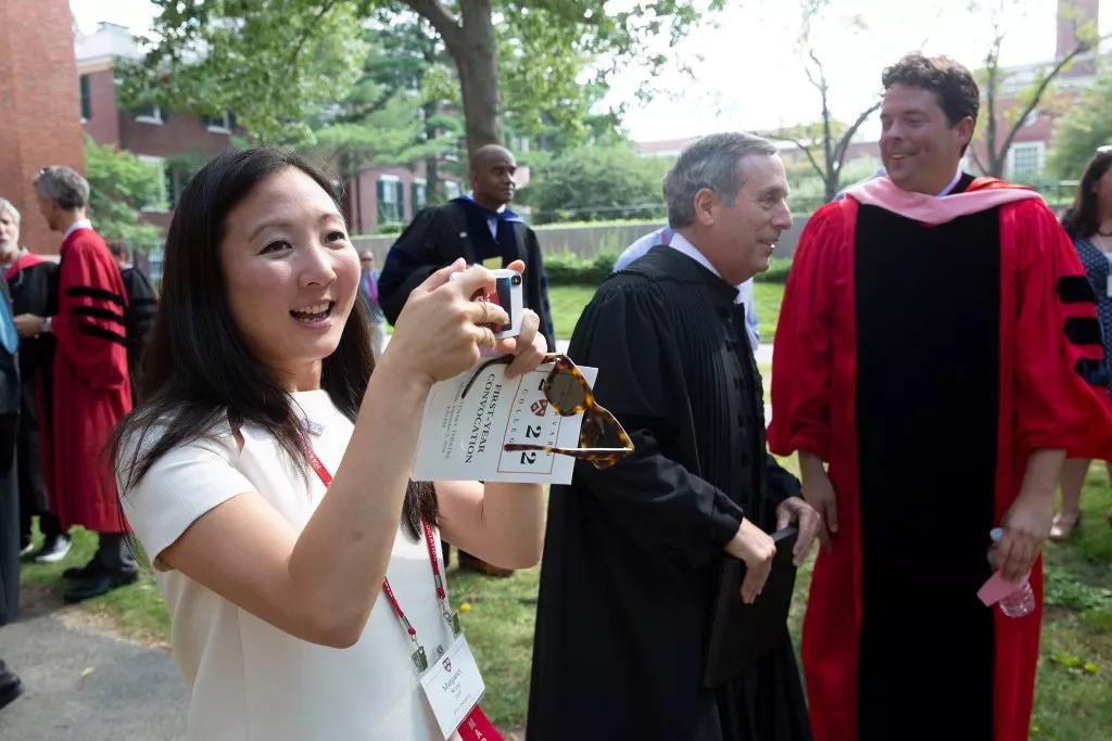哈佛新校长上任首次开学演讲:大学四年的21000小时请与这三类人同行