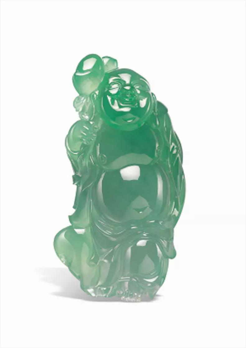 庆姐的翡翠收藏里又多了一件珍品——一只满绿
