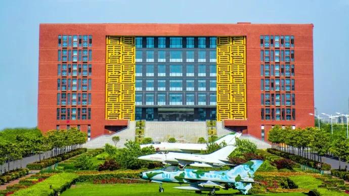 郑州航空工业管理_郑州10大最美高校图书馆大PK!谁是你心中的颜值圣地?_河南