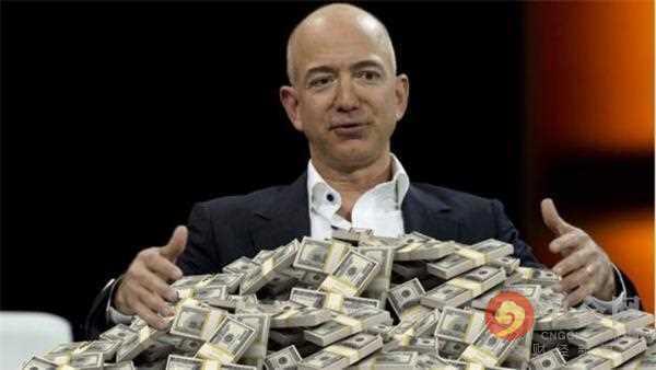 贝佐斯身家达1670亿美元 超盖茨716亿