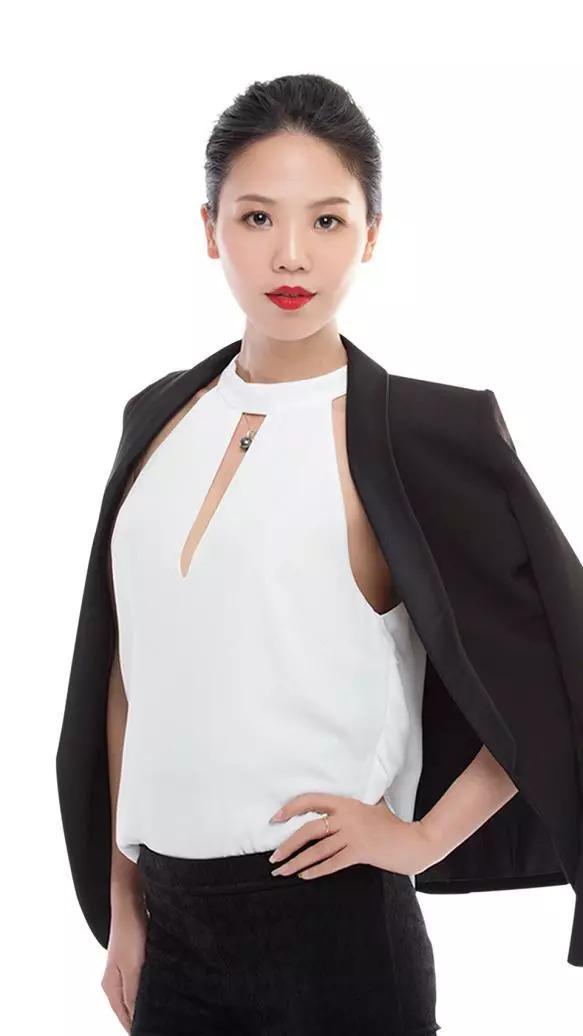房姐若涵:从电商到传统微商到新零售,看微商界传奇女子如何选择