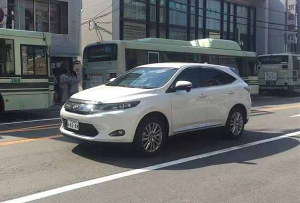 丰田唯一不引进中国的SUV,号称小号汉兰达,在日本非常畅销!