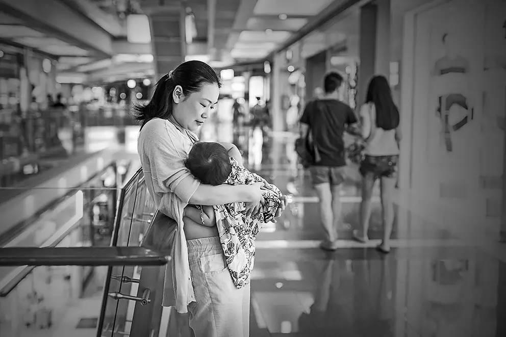 譚晶成為「蝸牛小屋」發起人 助力移動母嬰室公益行動