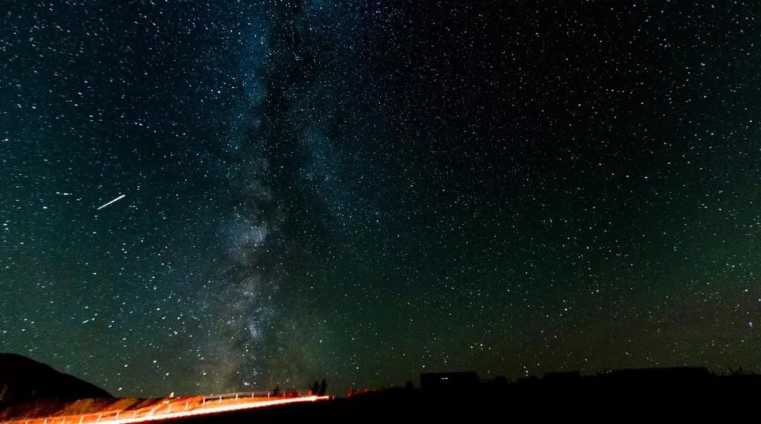 新疆旅游攻略丨秋天去新疆风景太美,拿上这份攻略就出发吧