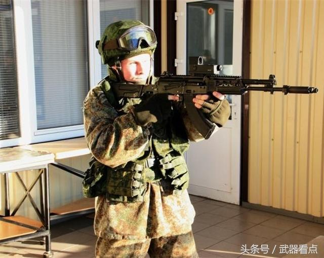 1/ 12 俄罗斯ak-103突击步枪:该枪主要用于出口,是ak-100系列中出口