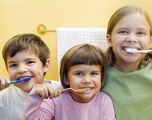 早晨起床後先刷牙,還是先吃早飯?最重要的1件事,咱們都忽視了