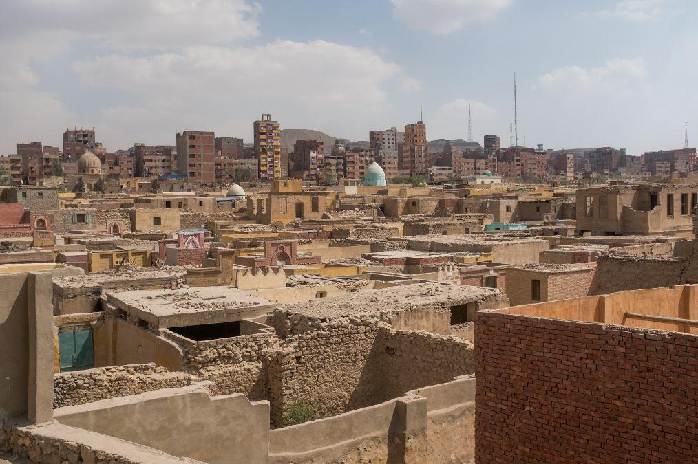 """實地探秘埃及""""死人城"""",墳墓修在家門口,活人和死人住一起"""
