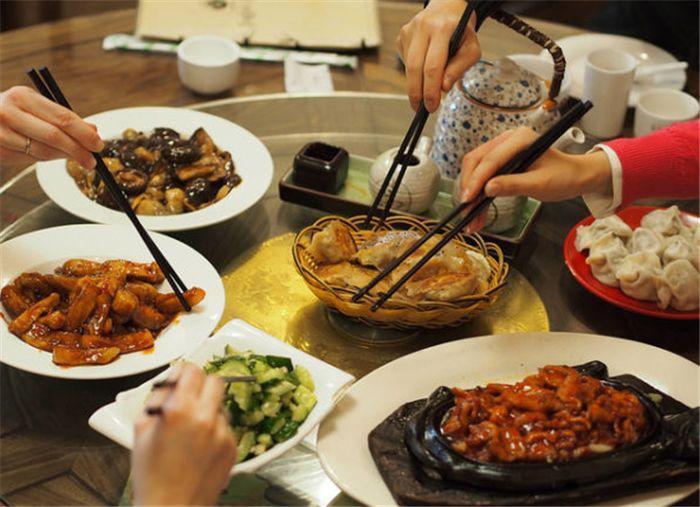 中國人用筷子代替刀叉有什麽意義?