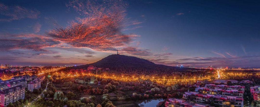 蜀山风景区夜景(图片来源:汇图网)