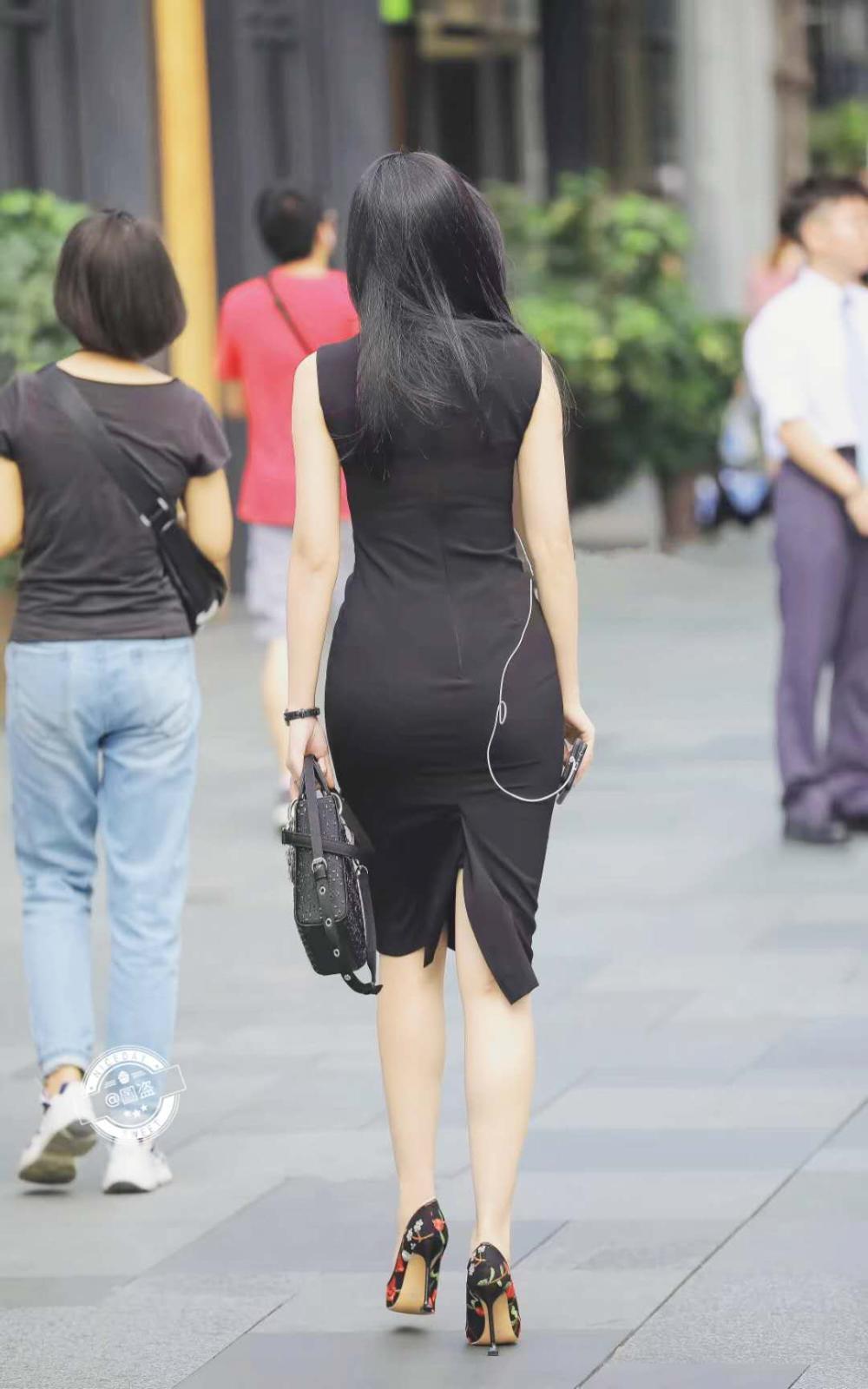 女人用腿夹男人头_中国女人爱黑棒 - www.qiqiapk.com