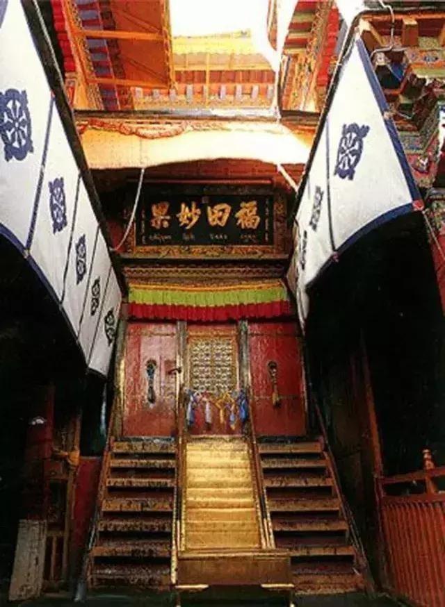 布达拉宫里最神秘的地方,不是金顶也不是灵塔,竟然是这里