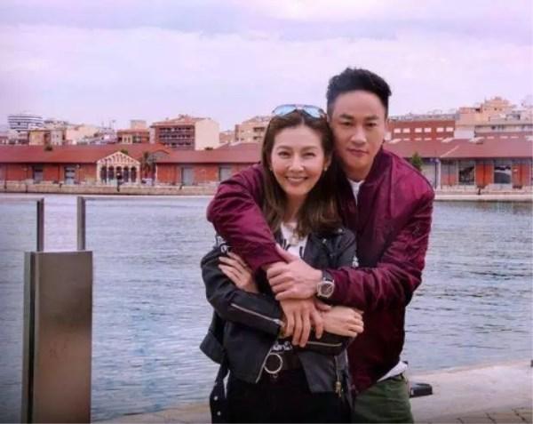 何润东结婚照被曝出 网友称比杨幂还美