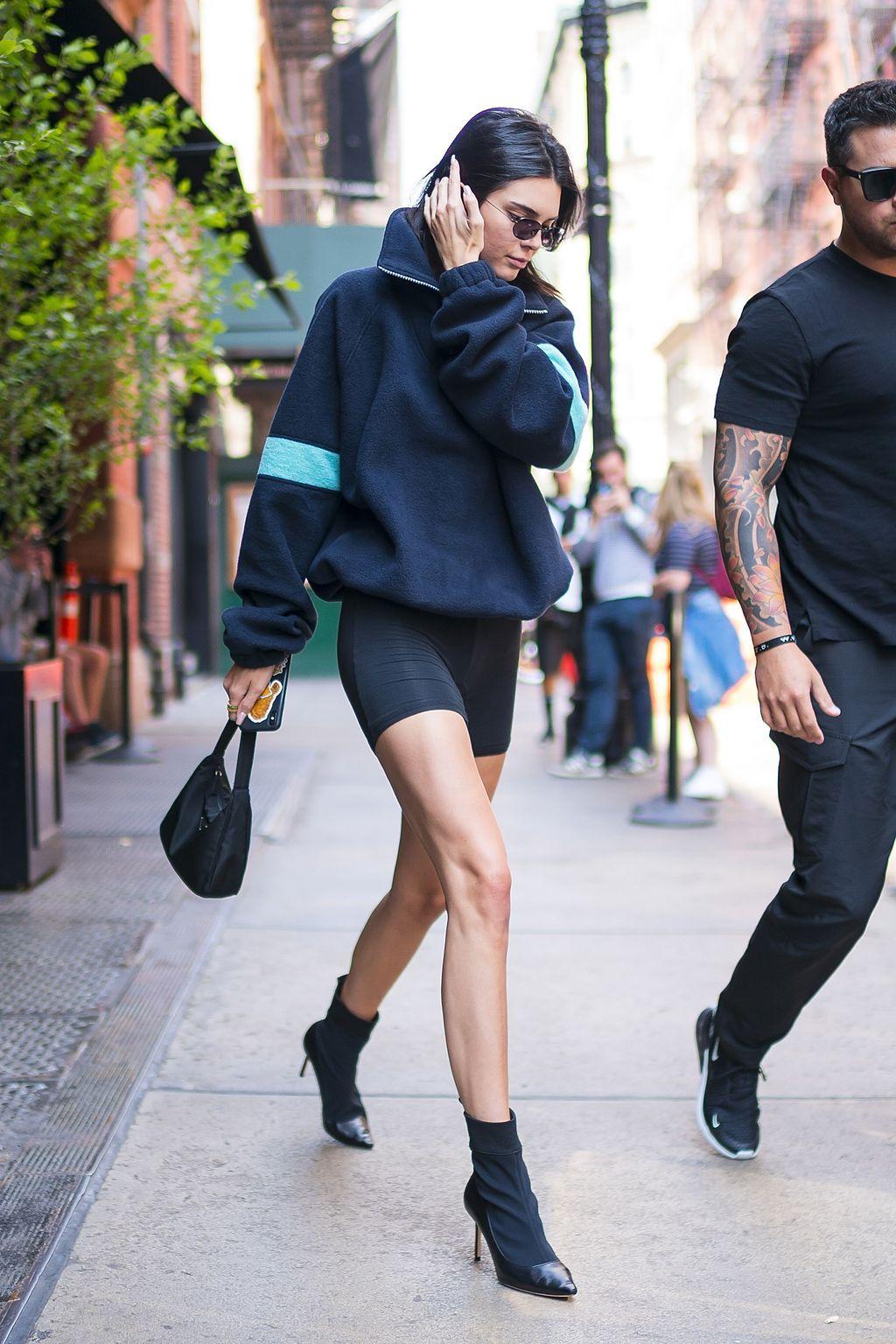 在2018年,超级明星们绝对不会满足于穿自行车短裤