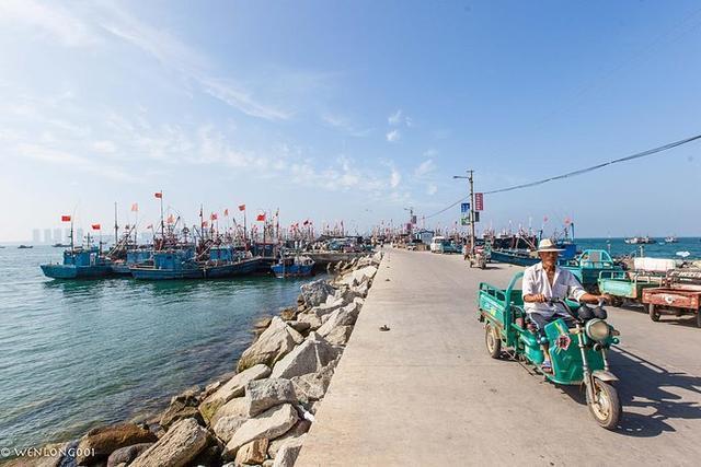 桑岛,仅 2.5平方公里的海岛漂浮在海上,岛上有600多户家庭