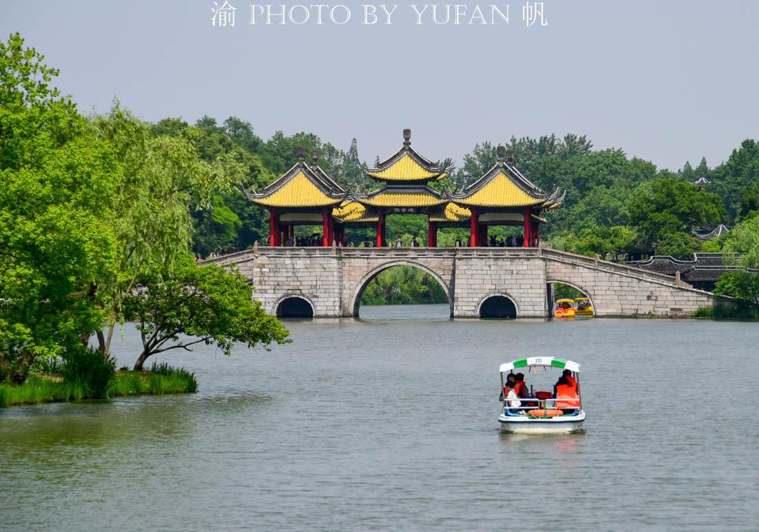 """一座古桥竟然让""""十五的月亮十六圆""""成为现实,它还是扬州的标志"""