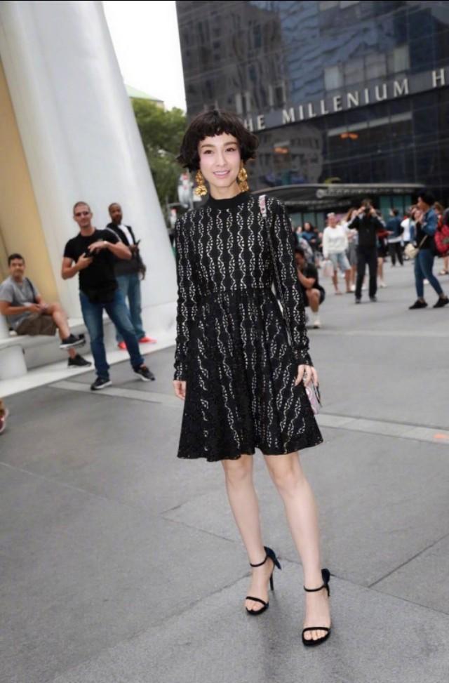 吴昕竟换成熟路线,赫本新发型配黑色蕾丝裙,百变气质好惊艳