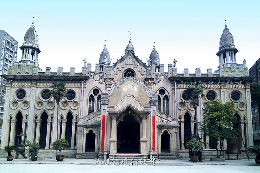 最令人三观颠覆的武汉寺庙 融五大宗教建筑于一身 国内独此一例!