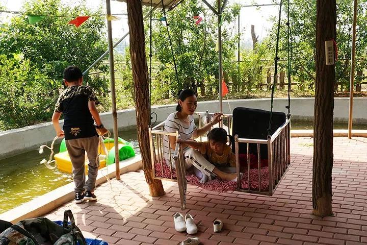 儿童乐园 生态园游乐设施完善 游玩项目丰富多样, 这里的儿童乐园
