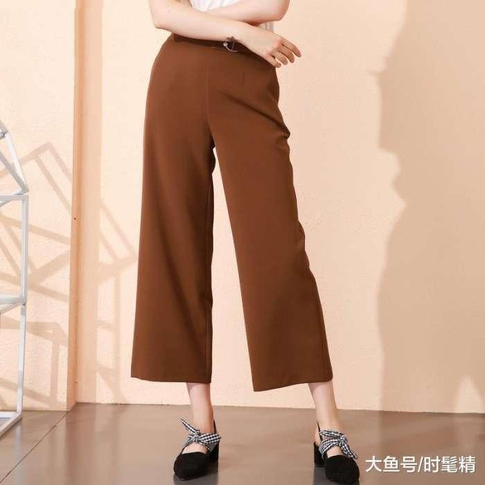 """下半身""""肉多""""的女人, 出门尽量少穿这3种裤子, 没气质还显胖!"""