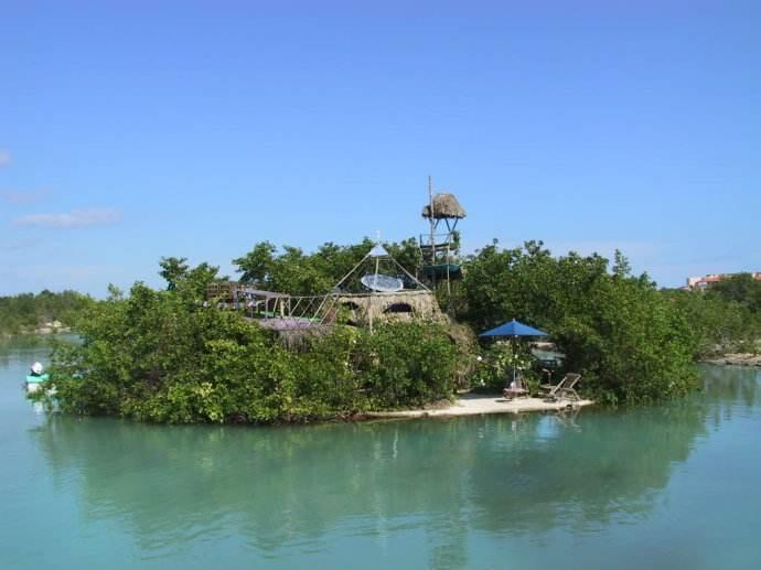 全球最奇葩的海岛之一,此岛是用废弃塑料瓶建成,游客去过都说值