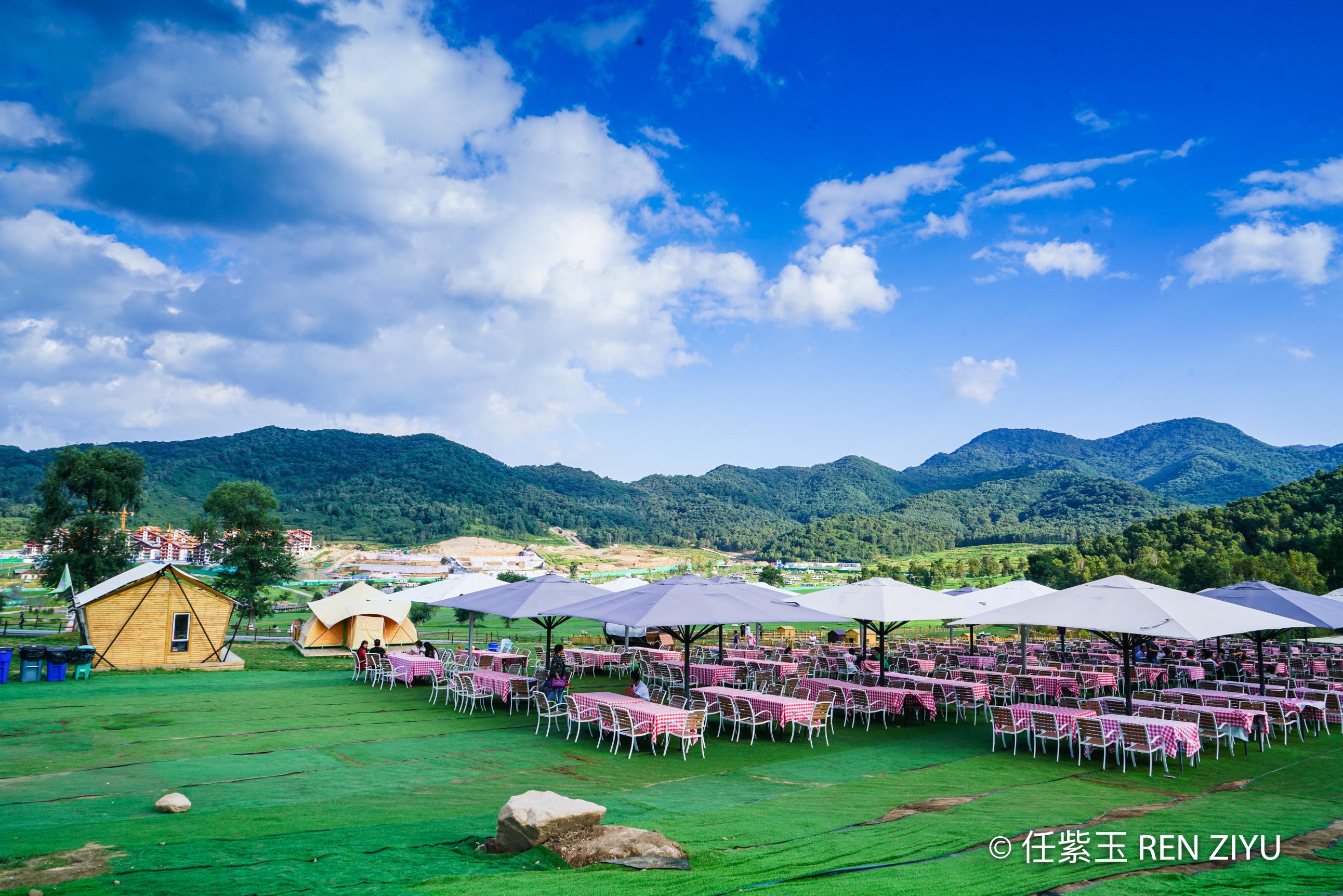 京郊度假小瑞士海坨山谷 在黑松林中骑行 体验亚洲最大房车酒店
