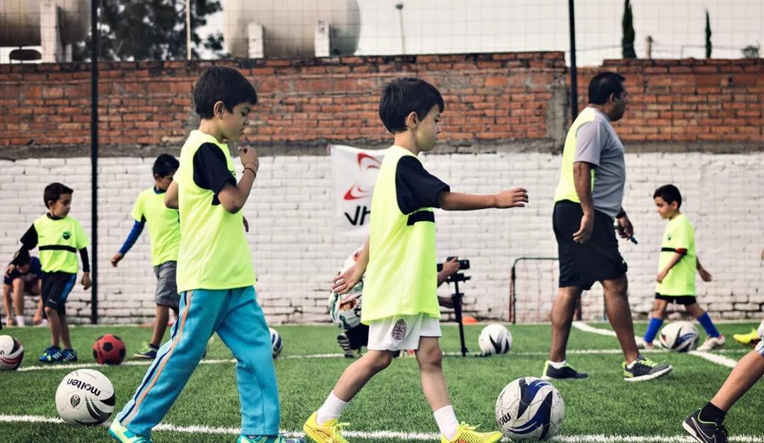 国家体育总局青少年体育司副司长王雷:构建新