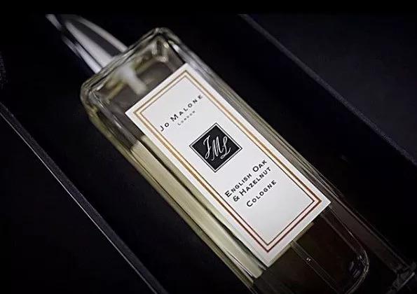 你身上的香味总是那么令人沉迷!