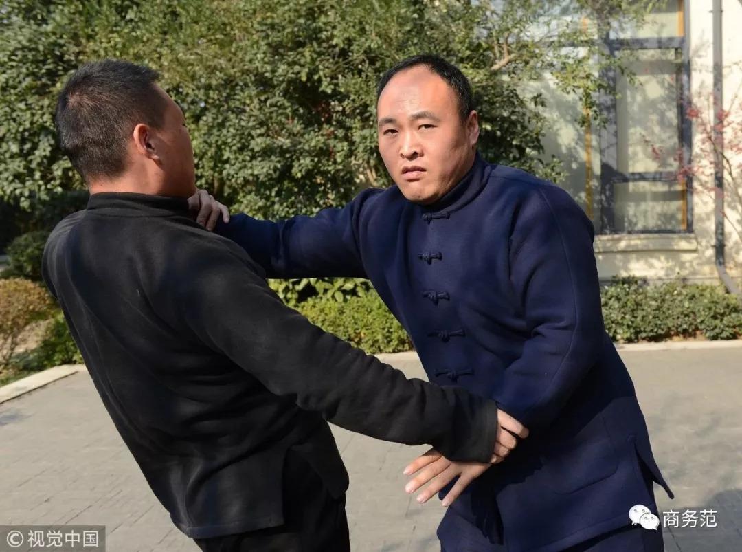 马云要辞掉董事长?他最爱的中式男装,为啥一般男人穿不好