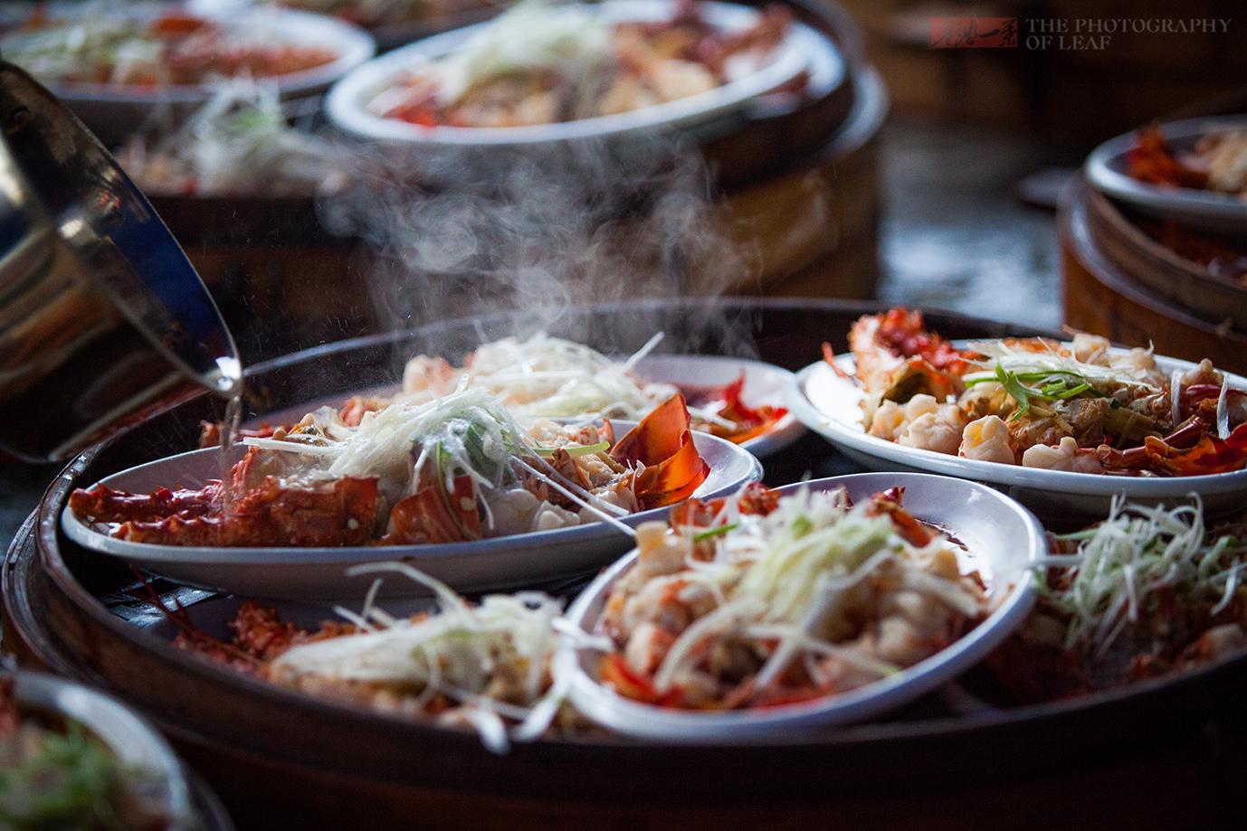 小渔村的传统家宴,全村渔民大摆150桌海鲜宴,海鲜就该这样吃