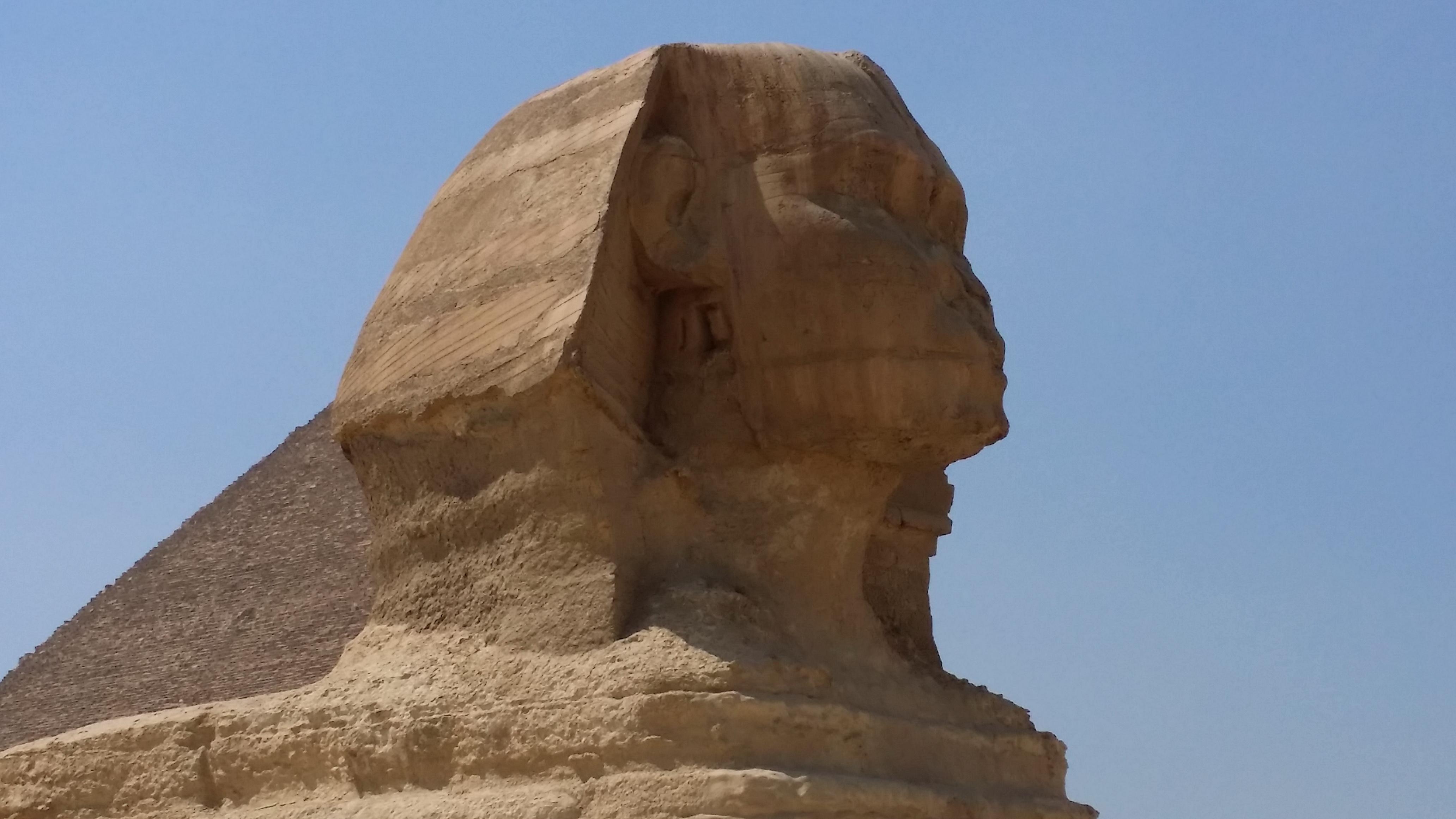 被黄沙埋没了4500年,挖出后的世界遗产,为什么没有鼻子?