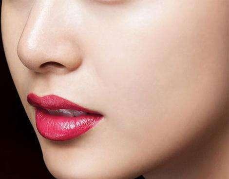 隆鼻方式哪种最安全永久?材料选择原来也有讲究
