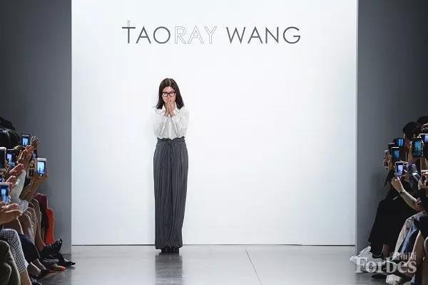 女性时尚话 纽约时装周上的中国女人
