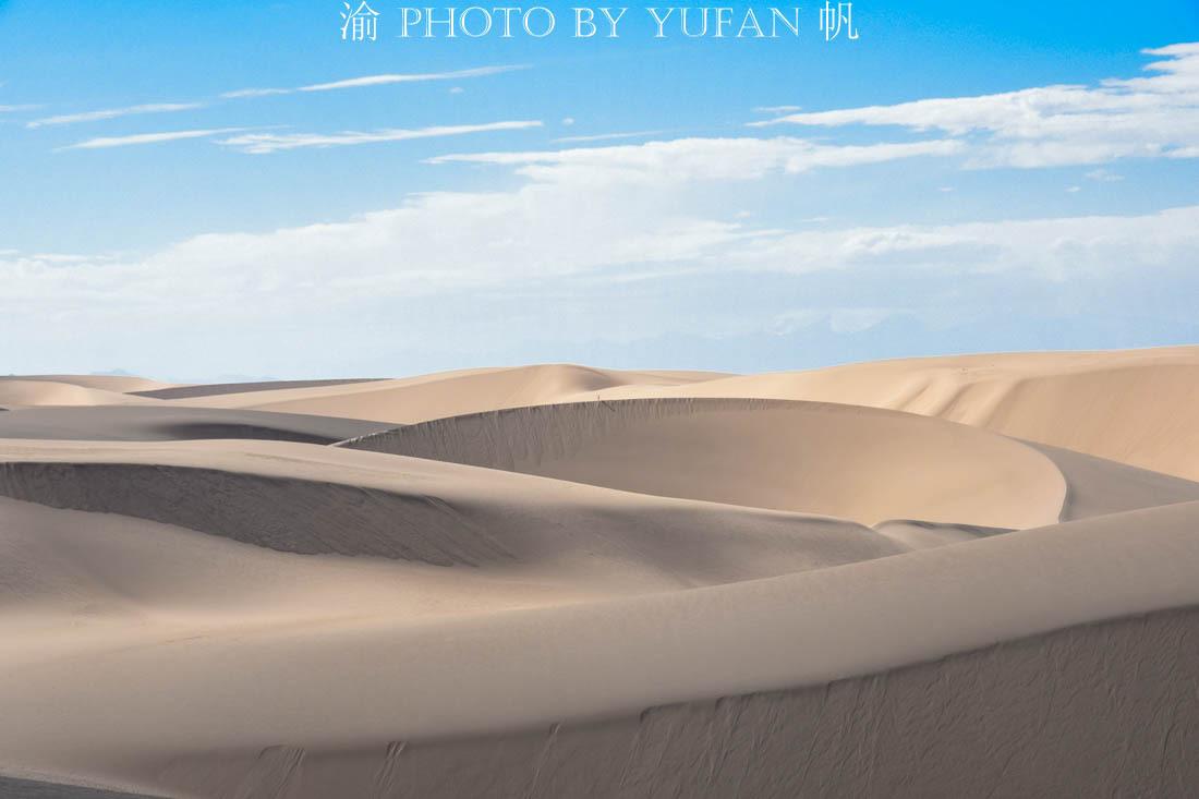 昆仑山下又发现一大奇观,沙漠竟然与雪山草原同框出现