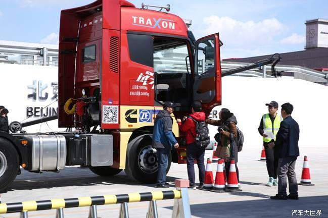 欧曼est超级卡车热销传奇继续 1000台交车又获1600多台订单图片