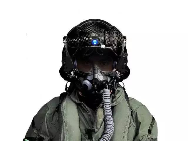 价值400000美元的F35头盔,究竟有何不同,到底贵在哪
