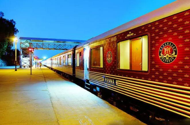 印度这条火车远超迪拜酒店,火车竟能健身和蹦迪,一晚豪华标间4万元