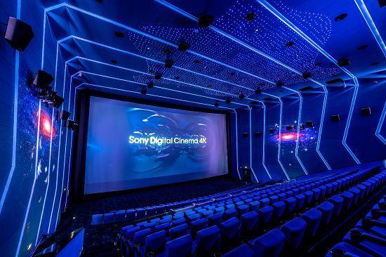 影院可选情侣家庭座了,电影行业终于要恢复了