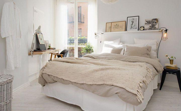 卧室白墙怎么装饰?挂一幅花鸟画倍感温馨