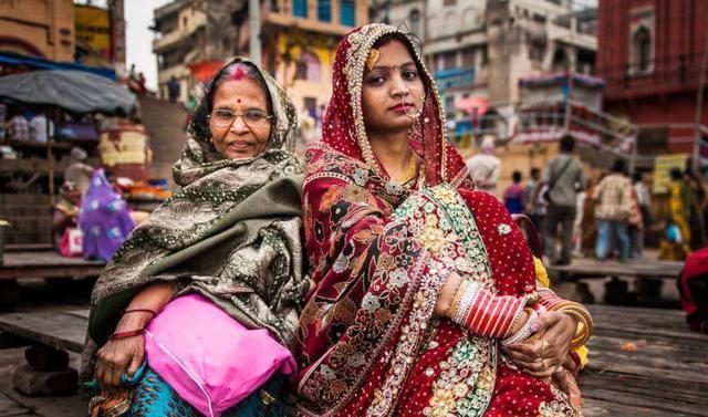 印度富人区女孩生活什么样?看看过来印度的游客怎么说