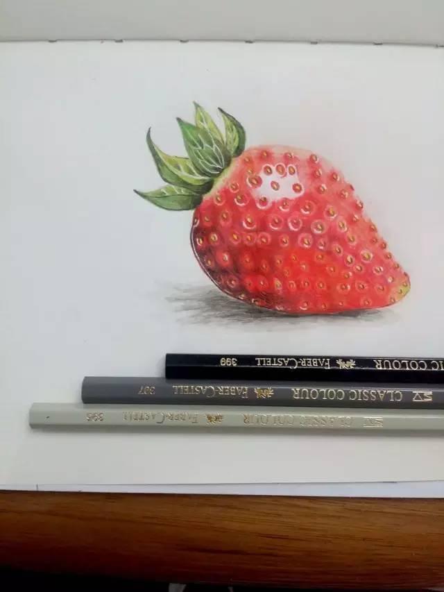 手绘插画教程 | 用彩铅画一个超想吃的奶油草莓