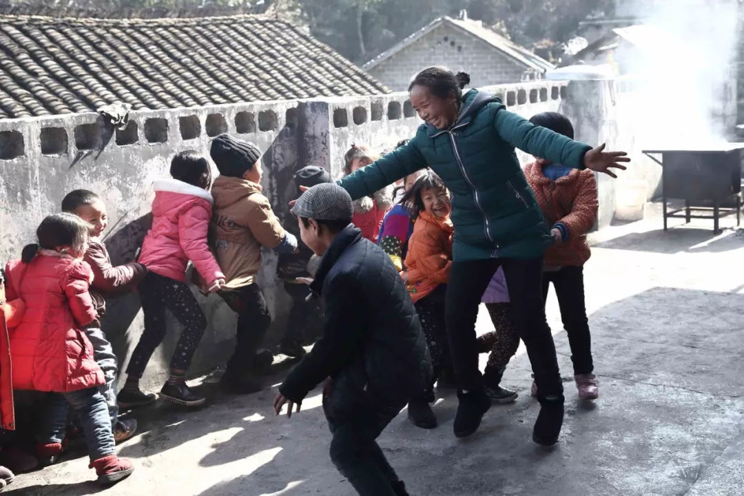 乡村教师麻玉兰的32年:工资涨了1200元,几乎没有因为生病休过假