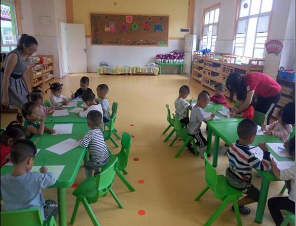 """湖北沙洋县五里中心幼儿园开展""""教师节家长体验日""""活动"""