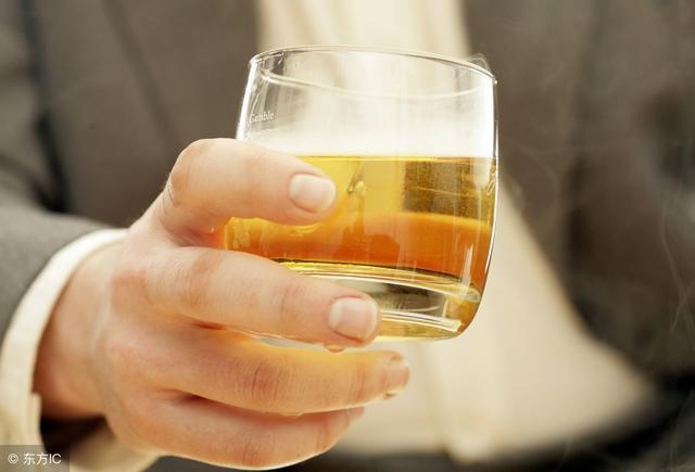 《柳叶刀》适量饮酒有益健康一说,完全不存在!