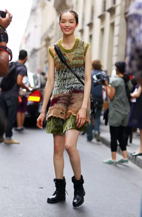 秋天流行穿什么裙子?搭讪率百分百的针织裙