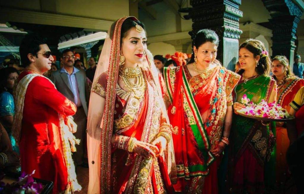 這個民族的女性一生要結兩次婚,第一次在9歲與果實結婚