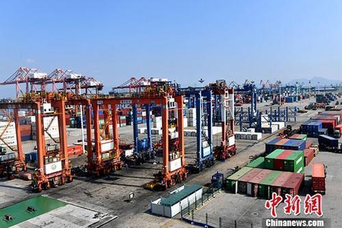 前8月中国对外投资同比增7.8%,非理性投资得到有效遏制
